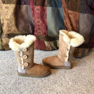 Ugg Chestnut Triple Bailey Button Sheepskin Boots